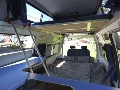 09ea9e9565 ... SAS Hi-Top Campervan – 4 Berth – bed ...